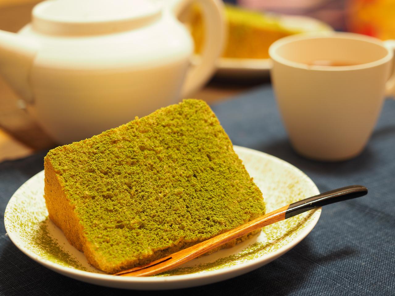 【スタッフ日記】プロによる、おぶぶの煎茶パウダーを使ったシフォンケーキでティータイム