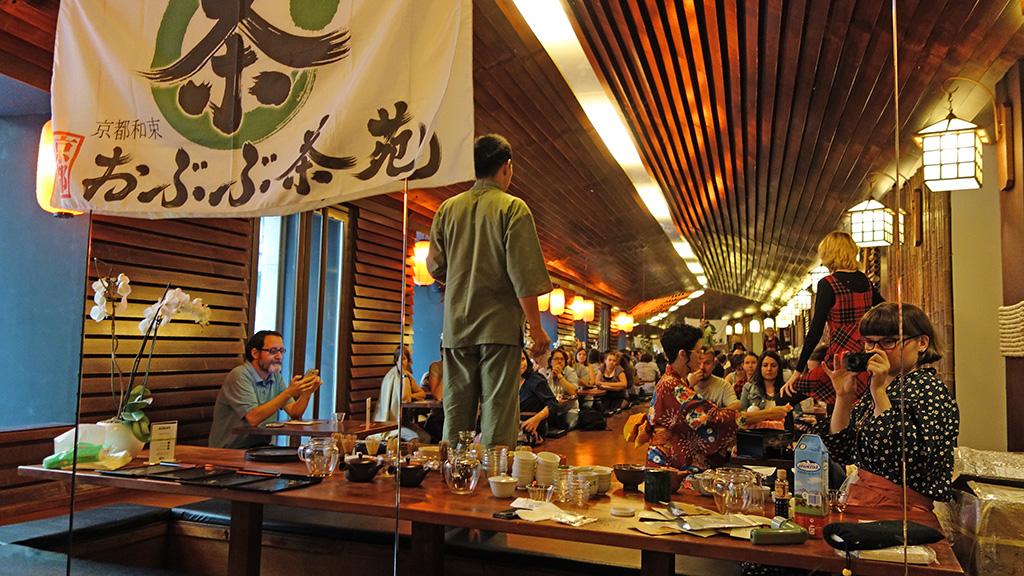 マドリッドにて。日本食レストラン「服部半蔵」にて日本茶セミナーを開催。