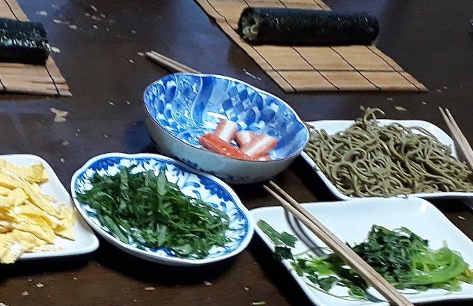 【おぶぶインターン生】みんなで巻き寿司作り
